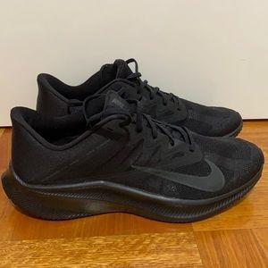 Nike Running Quest 3 sneakers in triple black
